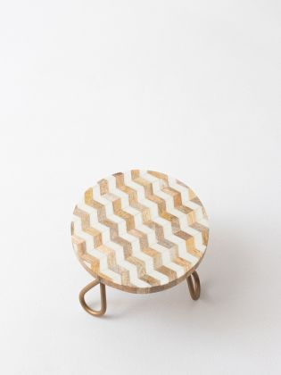 White Zic-Zac Cake Stand - Golden